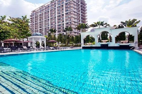 クアラルンプール:ホテル イスタナ プール