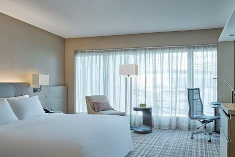 香港:ニュー ワールド ミレニアム ホンコン ホテル 客室一例