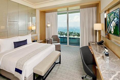 シンガポール:マリーナベイサンズ Premier Room Harbor View 客室一例/提供:Marina Bay Sands