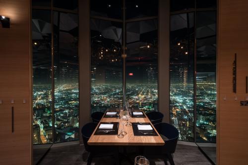 ロサンゼルスの絶景パノラマと絶品料理が楽しめる「71ABOVE」(イメージ)