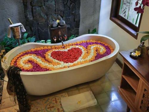 プラマナ・ワトゥクルン・リゾート フラワーバスのアレンジも可能です
