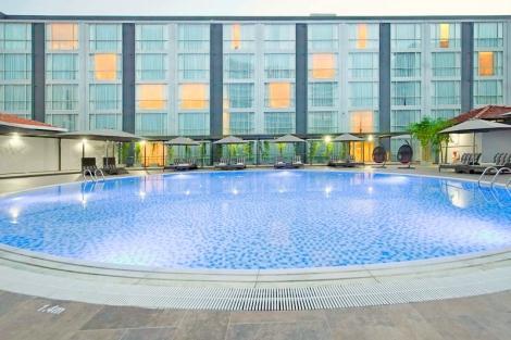 イースティン グランド ホテル:屋外プール