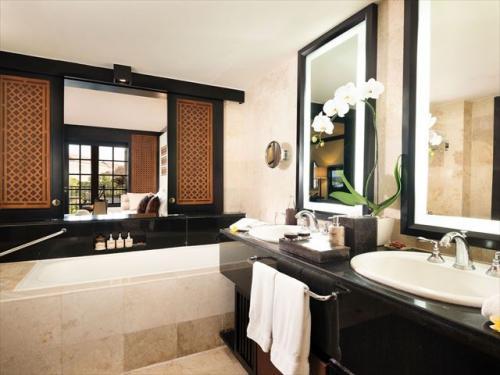 アヨディア リゾート バリ パレスルーム バスルームイメージ