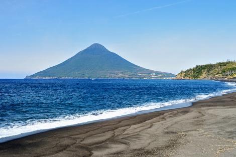 ◇指宿:長崎鼻岬から見た、開聞岳(薩摩富士)