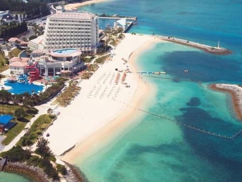 シェラトン沖縄サンマリーナ ビーチ目の前の充実した施設
