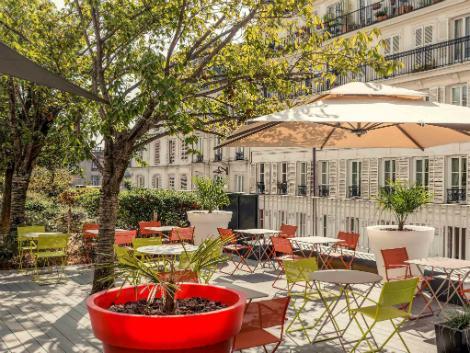 パリ:メルキュール パリ モンマルトル サクレ クール レストラン