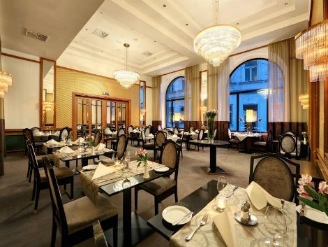 プラハ:グランド ホテル ボヘミア レストラン