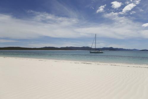 ハミルトン島 ©Adrian Brown, Tourism Australia