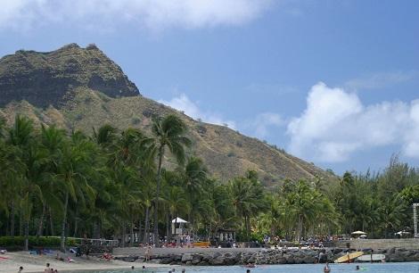 オアフ島:ダイヤモンドヘッド ハワイではレアヒ(マグロの額)を呼ばれる