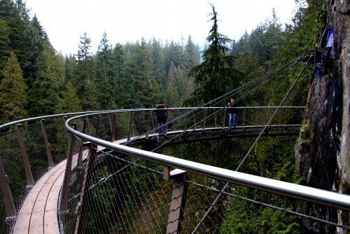 キャピラノ吊り橋の「クリフウォーク」はまるで空中散歩!(バンクーバー)