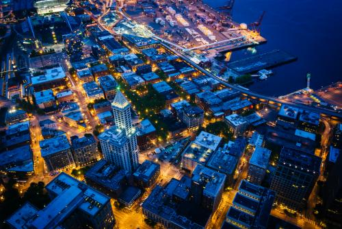 空から見たシアトルの夜景