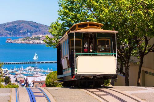 サンフランシスコに行ったら乗ってみたい♪トロリーバス