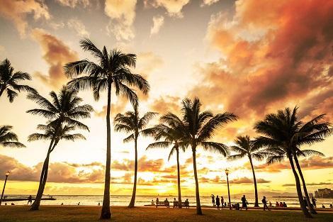 オアフ島:暮れゆくワイキキビーチ