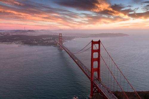 ゴールデン・ゲート・ブリッジの夕暮れ(サンフランシスコ)