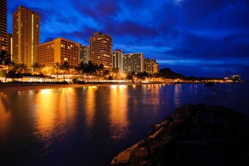 ハワイ、ワイキキビーチの風景(オアフ島)