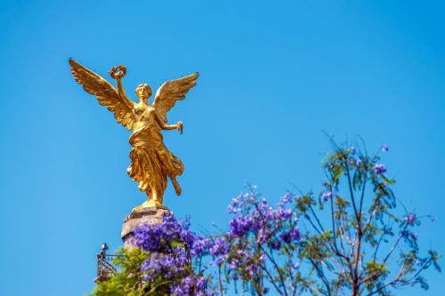 メキシコシティの独立天使記念碑