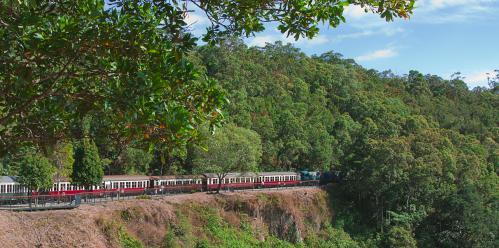人気の観光列車・キュランダ高原列車