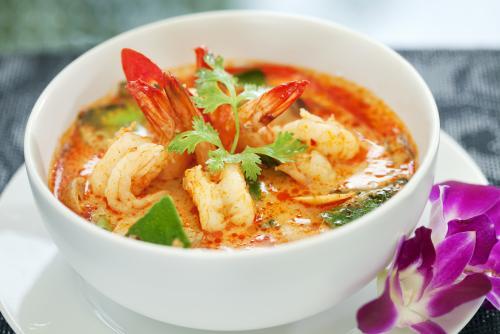 タイ料理といったらやっぱりトムヤンクン