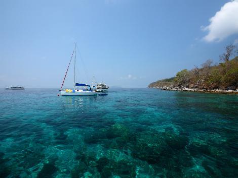 ラチャ島はプーケット近郊のダイビングスポット