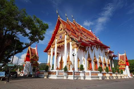 プーケット島最大の寺院 シャロン寺院