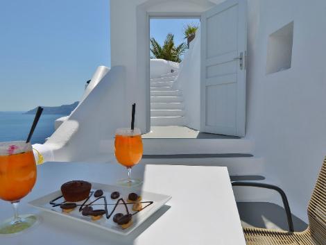サントリーニ島:カティキエス ザ ホテル テラス