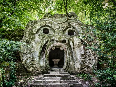 ◇バニョレージョ郊外:ボマルツォの怪物公園