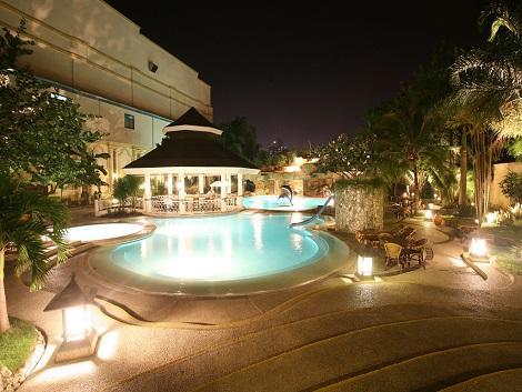 ウォーターフロントホテル プール