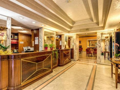ローマ:ホテル サン レモ ロビー