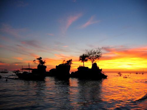 ボラカイ島 夕日 イメージ