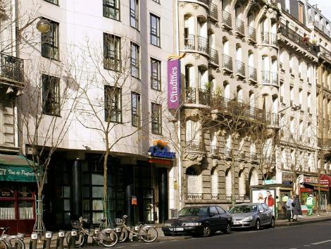 パリ:シタディーン レピュブリック パリ 外観