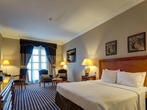 ドバイ:ロイヤル アスコット ホテル 客室一例