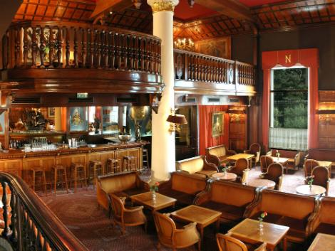 ニース:ホテル ネグレスコ バー