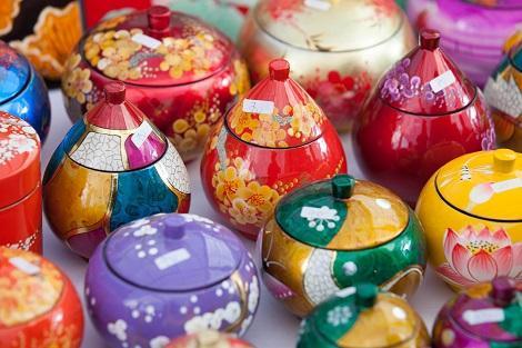 ベトナム:色鮮やかな雑貨