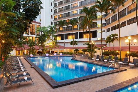 シンガポール:ヨーク ホテル プール