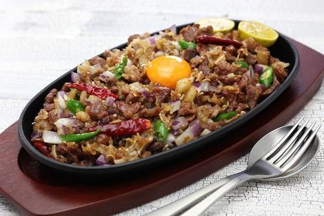 フィリピン:豚肉の鉄板料理 シシグ