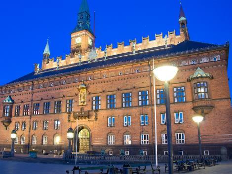 ◇◎コペンハーゲン:夜の市庁舎