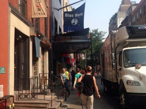 ジャズの本場ニューヨーク・有名ジャズバー「ブルーノート」