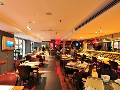 イスタンブール:ホテル スルターニャ レストラン