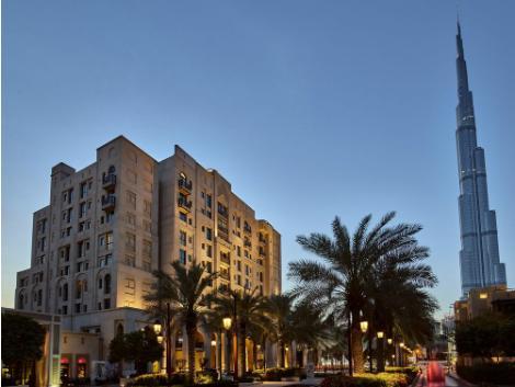 ドバイ:アル マンジル ホテル 外観