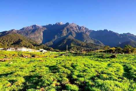 コタキナバル郊外:キナバル山