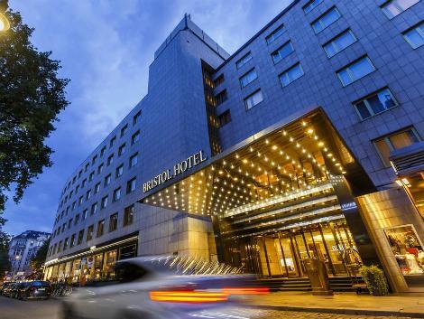 ベルリン:ケンピンスキー ホテル ブリストル ベルリン 外観
