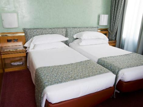 ミラノ:ミケランジェロ ホテル 客室一例