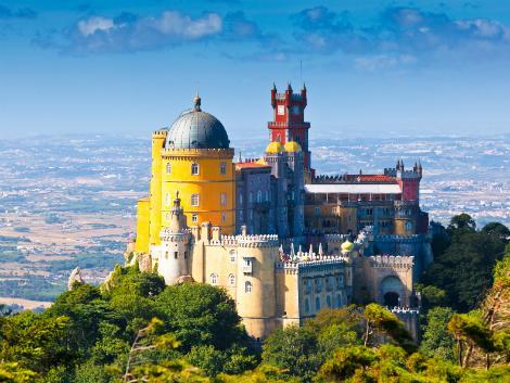 ◇シントラ ペーナ宮殿-リスボン発着ツアーのご用意あります。