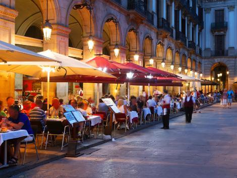 ◇バルセロナ:賑わう夜のレストラン