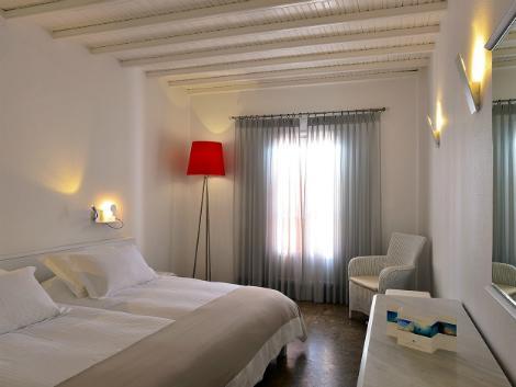 ミコノス島:ぺタソス タウン ホテル 客室一例
