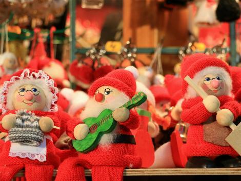 ◇ロバニエミ:サンタクロース人形
