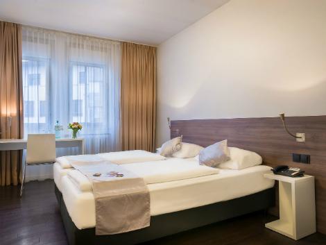 フランクフルト:コンチネンタル ホテル 客室一例