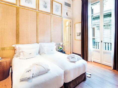 バルセロナ:ホテル ド プラサ レイアル 客室一例