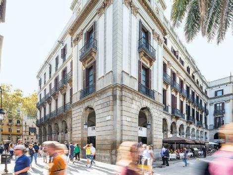 バルセロナ:ホテル ド プラサ レイアル 外観