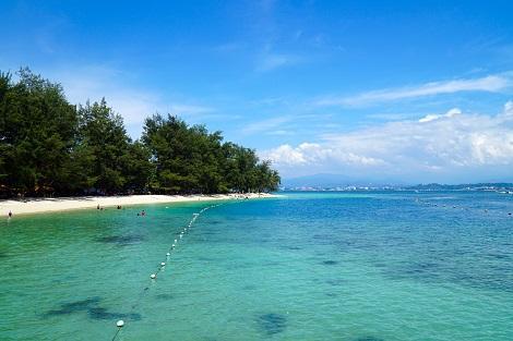 コタキナバル:マヌカン島